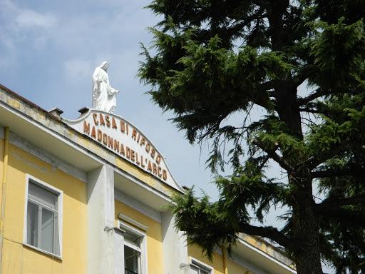 CORONAVIRUS ALLA RESIDENZA ANZIANI DI MADONNA DELL'ARCO – La procura apre un'inchiesta, richiesta dai familiari di un defunto l'autopsia sulla salma