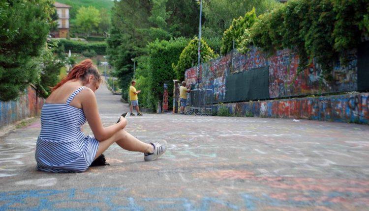 Coronavirus, da Napoli a Zocca per vedere la casa di Vasco Rossi: 5 denunciati