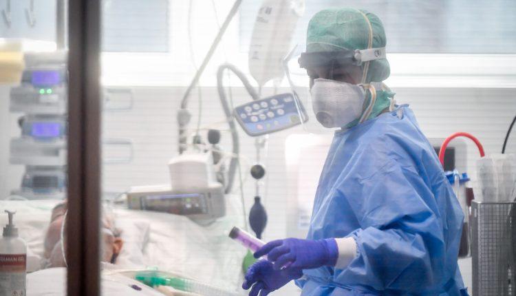 La morte di Emilio, marito e papà speciale e il racconto di un medico in trincea contro il Coronavirus