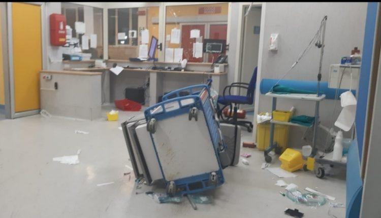 Pronto soccorso dell'Ospedale Pellegrini devastato, 9 misure cautelari: ildanneggiamento avvenne dopo la morte diUgo Russo