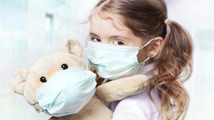 In Campania mascherine obbligatorie anche per i bambini: parte l'input per produzione dispositivi per i più piccoli