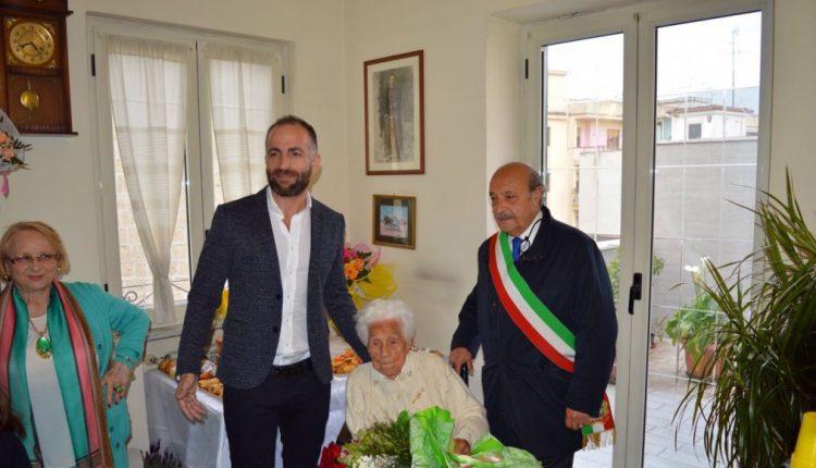 EMERGENZA CORONAVIRUS – Pomigliano d'Arco, attivo già da oggi il servizio per erogare i «buoni di solidarietà alimentare»