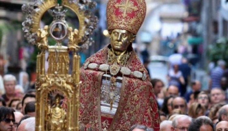 Niente processione di San Gennaro il 2 maggio: durante il ritosi verificava evento liquefazione sangue