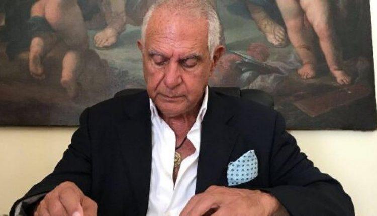 Coronavirus, è morto l'avvocato Enrico Tuccillo, aver difeso nel processo per tangenti l'allora cardinale di Napoli Michele Giordano