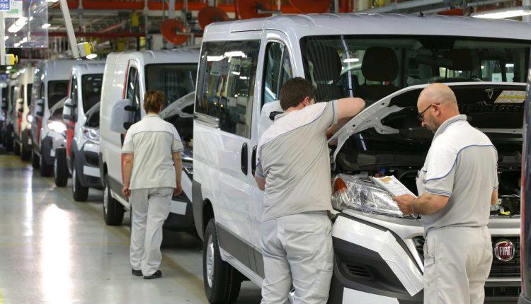 Lunedì ripartenza parziale fabbriche Fiat:riprendono Sevel e reparti Melfi, Mirafiori, Pomigliano, Termoli