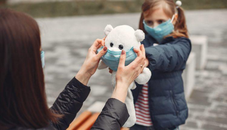 Emergenza Coronavirus, la Regione Campania compra 850mila mascherine bimbi