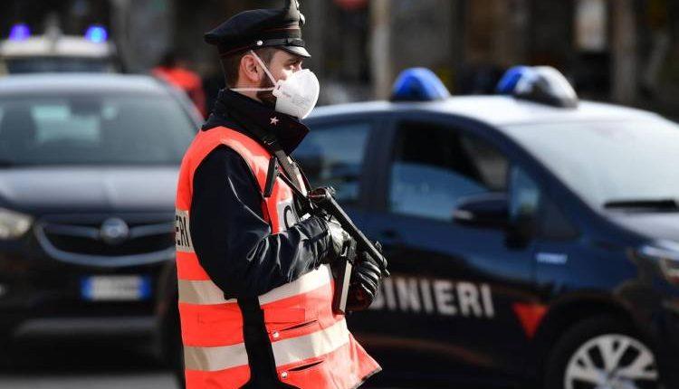 A Portici, forza posto blocco e investe i carabinieri: 43enne in prova ai servizi sociali