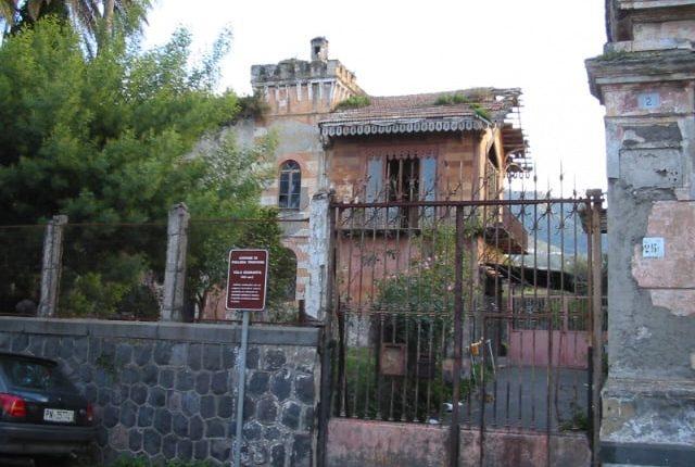 Il patrimonio abbandonato di Pollena Trocchia: tra ville, palazzi storici, masserie ed ex conventi. Strutture private che devastano l'estetica di una cittadina