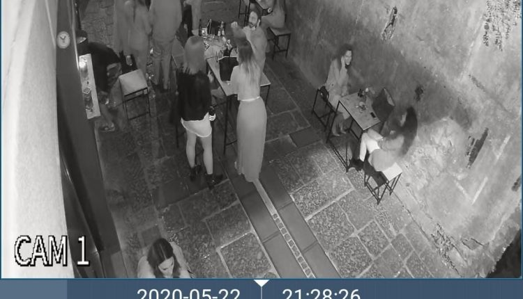 """Movida selvaggia a Sant'Anastasia: la verità secondo i proprietari del 30 metriquadri che con foto documentano il """"falso"""" della foto pubblicata sui social"""