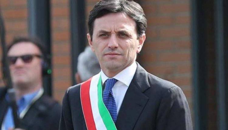 Terremoto politico a Ercolano, 13 consiglieri firmano la sfiducia al sindaco Ciro Buonajuto