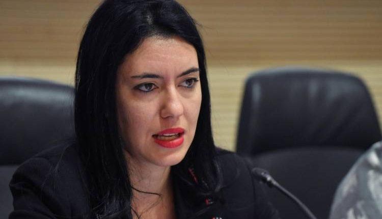 A settembre si torna in classe, ma non tutti insieme, l'ha annunciato la Ministra Azzolina. Sì anche ad asilo ed elementari