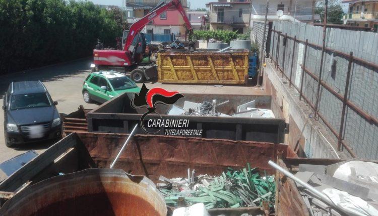 Pomigliano d'Arco: Smaltimento illecito di rifiuti. Carabinieri forestali denunciano tre persone