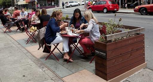 ANapoli: bar, pizzerie e ristoranti via libera ai tavolini in strada