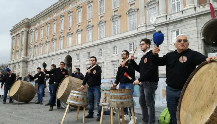 """Esce """"Lùce argiénto"""", il brano di Pastellesse Sound Group – i bottari di Macerata Campania – dedicato alla Madonna e a Papa Francesco"""