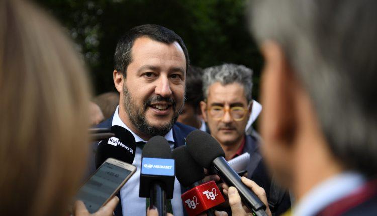 L'ex ministro della Lega Matteo Salvini a Napoli il 5 giugno: visita sul luogo dov'è morto il poliziotto Pasquale Apicella, poi al Cis e a San Gregorio Armeno