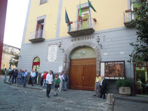Verso il voto a settembre con le Regionali, a Sant'Anastasia (per ora) le uniche certezze sono le candidature di Carmine Esposito e Carmine Pone: tutto il mondo politico attende