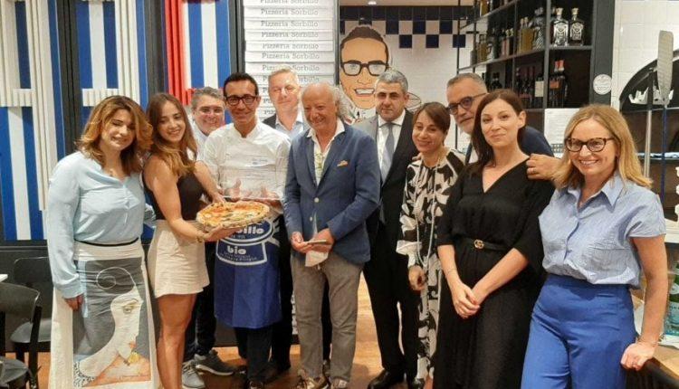 Alla Rinascente di Roma il premioa Gino Sorbillo: ambasciatore del turismo gastronomico secondo la World Tourism Organization