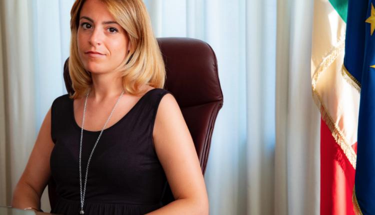 Concorsopoli vesuviana, la deputata 5 Stelle Carmen Di Lauro chiede l'invio di ispettori del Ministero