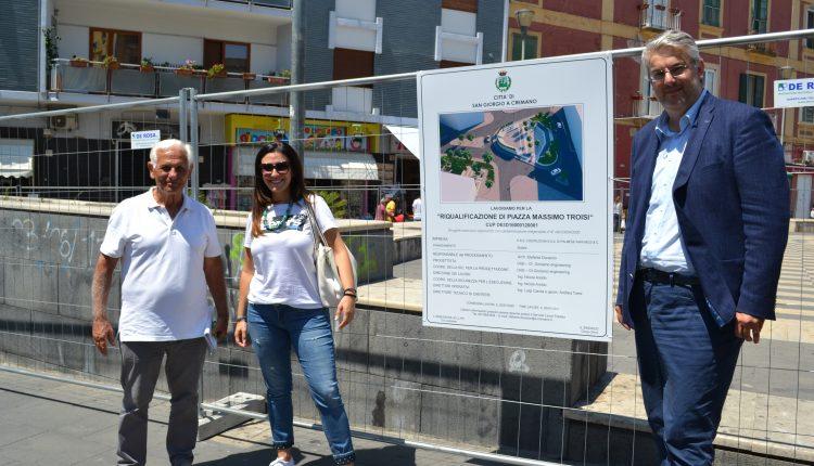 """Il restyling di piazza Massimo Troisi a San Giorgio a Cremano, l'assessora Eva Lambiase: """"Grazie al lavoro di squadra si raggiungono gli obiettivi"""""""