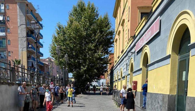 Anziani e disabili in fila sotto il sole agli Uffici Postali di Cercola: la denuncia di Gennaro Tarallo (Fratelli d'Italia)