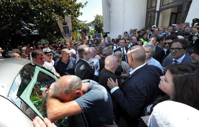 A Portici, l'amministrazione dedica il Centro Polifunzionale di via Fani a Mariano Bottari vittima innocente della criminalità