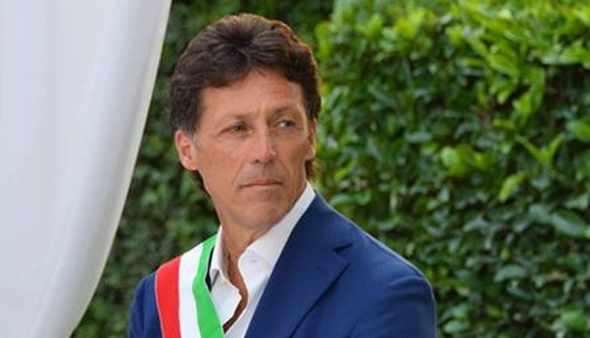 """Incubo Covid a Portici, 7 contagi ma il sindaco Cuomo in una diretta Facebook: """"Non è focolaio"""""""