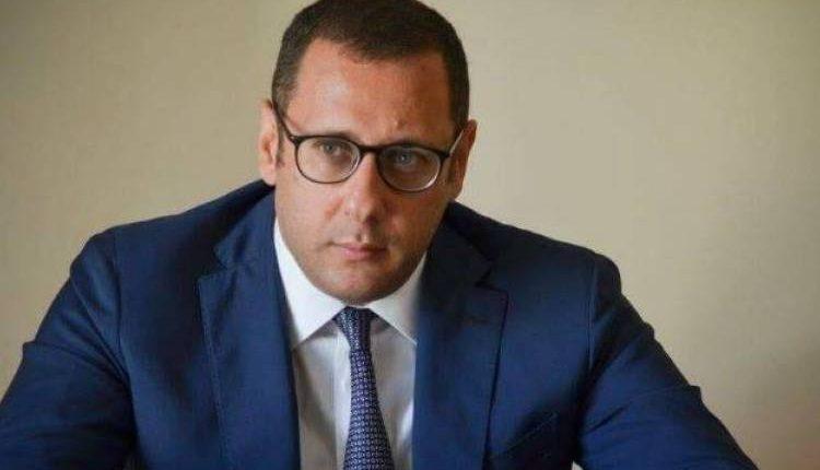 La caduta di Forza Italia, Armando Cesaro su Facebook annuncia di rinunciare al coordinamento provincialenapoletano