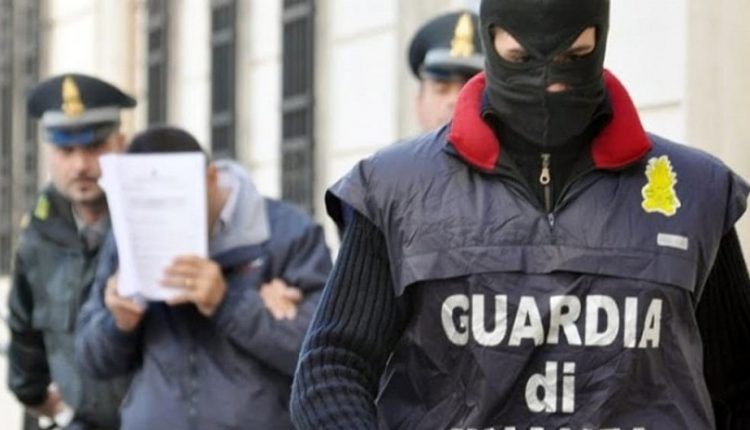 Camorra, sgominato dalla Guardia di Finanza a Rimini gruppo legato ai Sarno e ai Casalesi