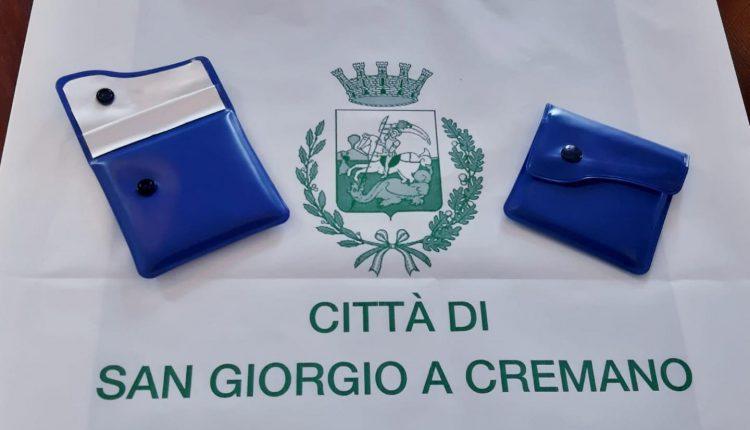 A San Giorgio a Cremano, assieme alle buste per la differenziata l'amministrazione Zinno distribuisce gli ecoastucci per la raccolta dei mozziconi di sigarette
