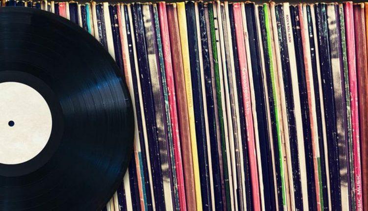 Ruba 16 dischi in vinile a Napoli: condannato a un anno e sei mesi e 500 euro di multa