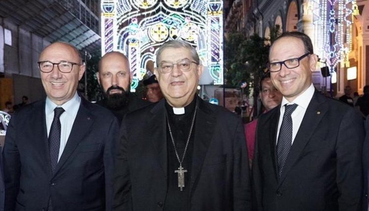 San Gennaro, via Duomo 'illuminata' per 18 giorni: l'iniziativa è della Camera di Commercio di Napoli