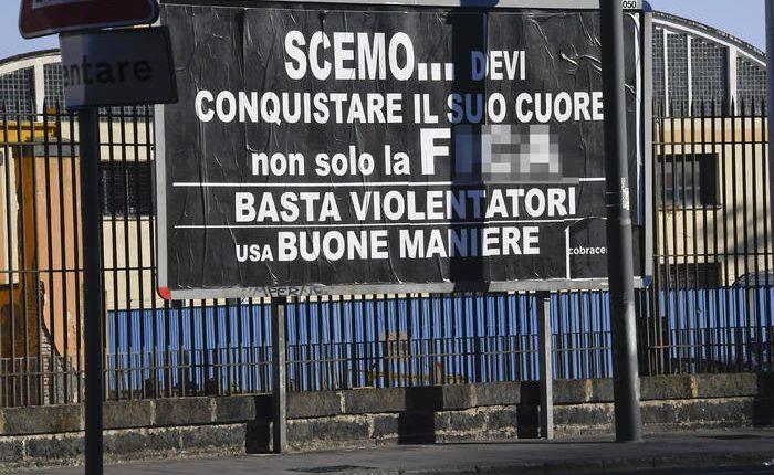 Partito delle Buone maniere, manifesti choc a Napoli