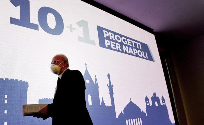 """Campagna elettorale, De Luca: """"Dieci idee per Napoli: dalla funivia per Capodimonte alla funicolare per salire sul Vesuvio"""""""