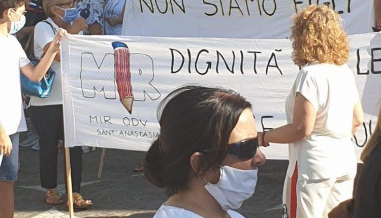 Sit- in in piazza e corteo davanti al comune protestano le associazioni e i comitati studenti e mamme dei diversamente abili