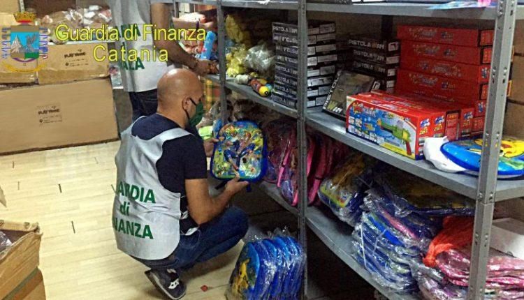 Sequestrati della Guardia di Finanza 35mila articoli per la scuola a Napoli e provincia