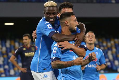 Calcio di Serie A: Napoli a valanga, Genoa demolito 6-0