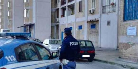 Interrotta la tregua estiva: spari contro la casa di Gennaro Aprea, escono dal carcere i boss di Forcella