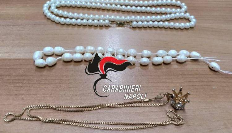 Badante ruba i gioielli dell'anziana, denunciata dai carabinieri a Portici