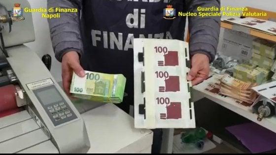 Napoli est, scoperta stamperia di soldi falsi: sequestrato oltre un milione di euro