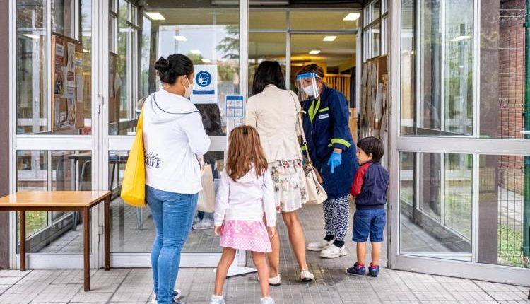 """Piano """"Scuola sicura"""", riunione in Regione tra De Luca e l'Unità di Crisi della Regione Campania"""