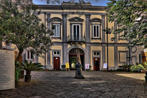 Covid a San Giorgio a Cremano, positivi tre dipendenti comunali: Il Municipio chiude in attesa dello screening di massa