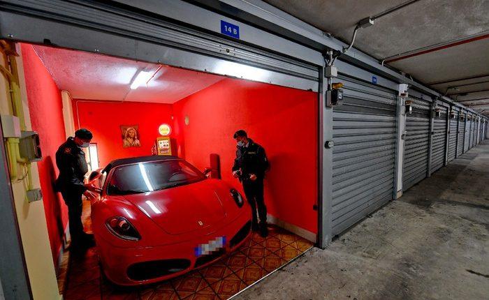 San Giorgio a Cremano, evasione fiscale: sequestrate Ferrari e Porsche al re dei carburanti