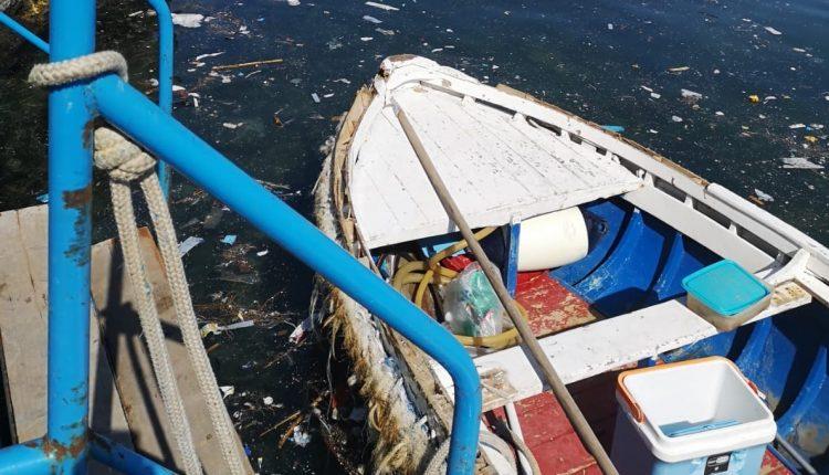 """Riva Fiorita , da giorni il mare è in condizioni pietose. Borrelli e Caselli (Europa Verde): """"Uno spettacolo indegno. Maggiori controlli della rete fognaria e sanzioni severe per chi inquina"""""""