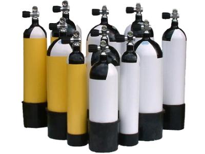 Emergenza Covid e dramma per bombole ossigeno: arrivano dai subacquei della Capitaneria di porto