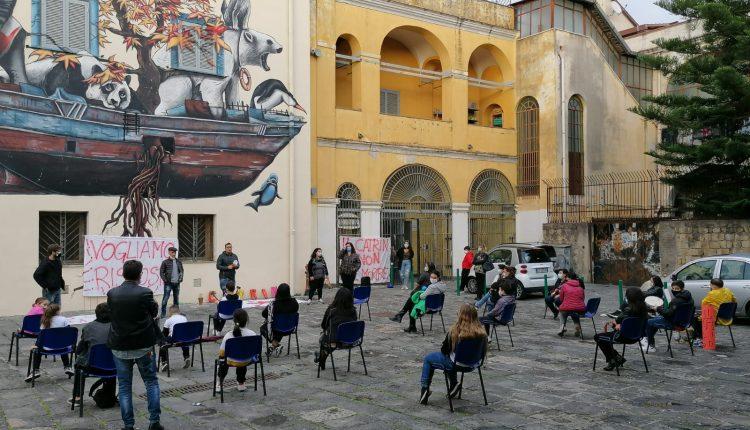 """A Ponticelli, chiude il Let """"Catrin"""": educatori, genitori e ragazzi chiedono confronto con istituzioni e associazione"""