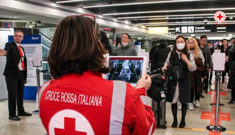 Covid a Napoli: laser in stazione per misurare la febbre