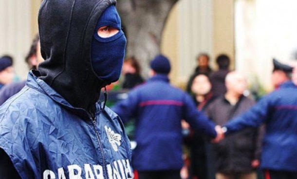 Usura: sgominata banda nel Napoletano, tassi fino al 120%. Operazione della Dda, i Carabinieri eseguono 5 misure cautelari