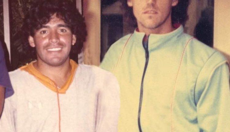 LA BEFANA E LA FOTO PEZZOTTO – Il sindaco di Portici Enzo Cuomo sul suo profilo Facebook pubblica una foto che lo ritrae con Maradona, ma è chiaramente fotoscioppata