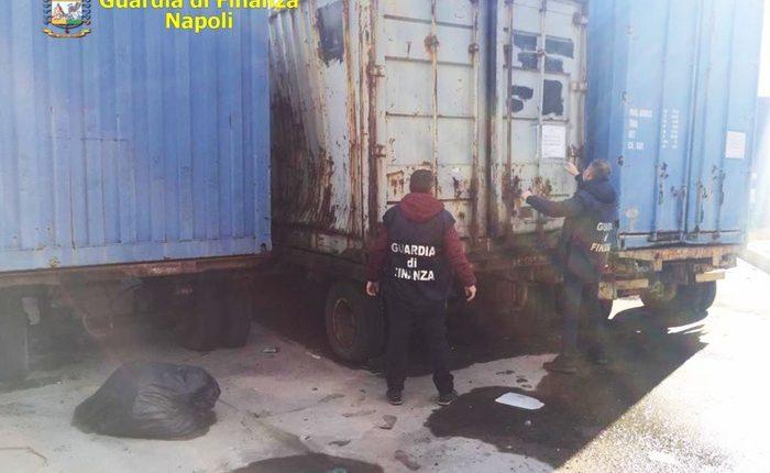 100 tonnellate di rifiuti sequestrate da GdF nel Porto di Napoli: sequestrata area stoccaggio da 1700 mq e denunciate tre persone