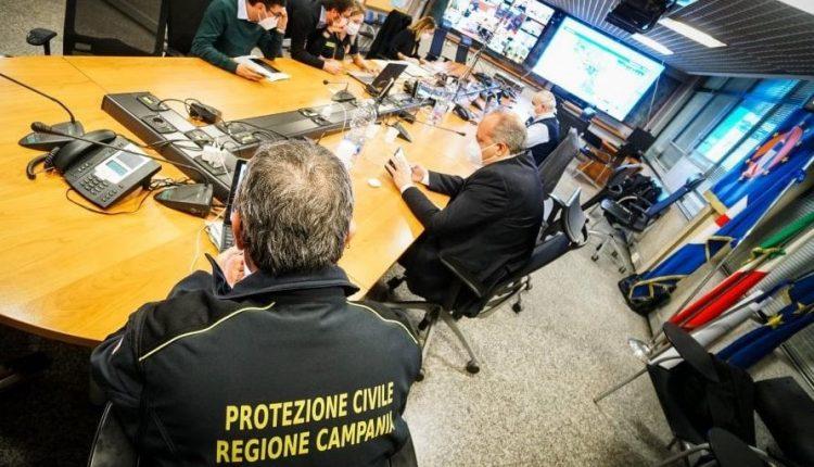Covid, torna a salire la curva dei contagi in Campania: oggi si registrano  1.215 positivi su 15.473 tamponi effettuati, 247 in più di ieri con 130 tamponi in più processati